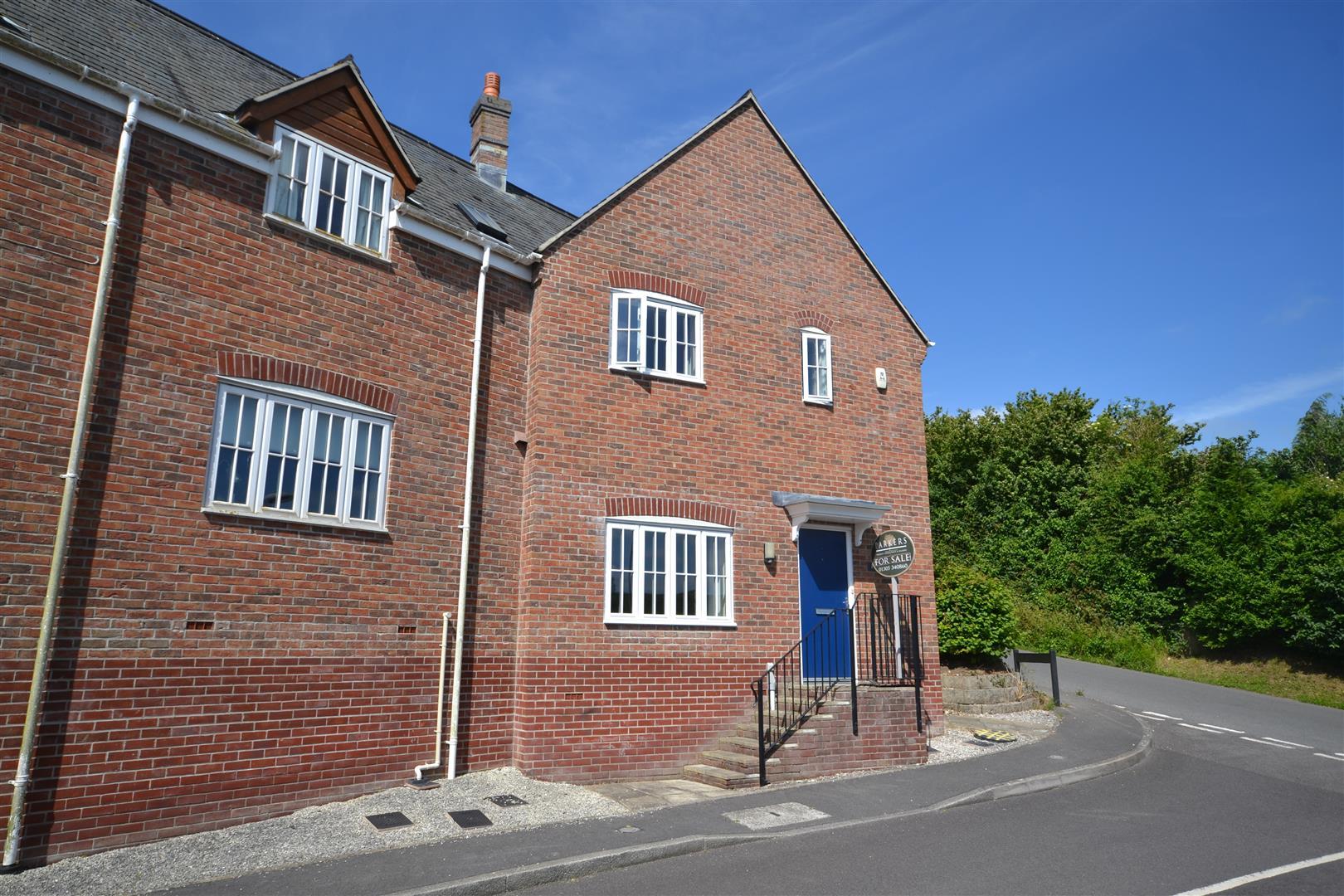 3 Bedrooms Detached House for sale in Charminster, Dorchester